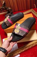 zapatillas al por mayor-Botines planos de calidad superior Zapatillas de mujer Zapatos desgastes Sandalias de cuero real Zapatillas con tiras de tachas Zapatos para mujer con caja