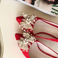 hochzeit blumen high heel großhandel-Angel2019 Lace Red Wedding Golden Flower Fein Mit Hochhackigen Braut Sharp Damen Strass Einzel Schuh Show Schuhe