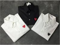 ingrosso camicia di coppia rossa-Camicia di design di alta qualità Camicia di lusso di moda da uomo Nero Bianco Cuore rosso Ricamo Comodo Tops Street Trend Hip Hop Uomo Donna Coppia