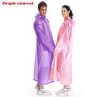 équipement de pluie de mode achat en gros de-Gros Couple Rain Gear Raincoats, Poncho Mode PVC 6 Couleurs, Manteau de pluie, Imperméable Pour Voyage / Concert Pour Femmes / Garçon / Fille / Homme # 319566