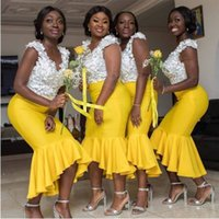 encaje amarillo té longitud al por mayor-Top flora de longitud de té amarillo africana dama de honor más el tamaño de la sirena cuello en V con cuentas de encaje Alto Bajo dama de honor Vestidos