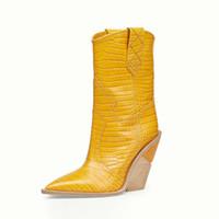 botas para as mulheres cunha branca venda por atacado-Branco Bege Preto Amarelo Faux Leather Cowboy Ankle Boots para Mulheres Cunha Botas de Salto Alto de Cobra Imprimir Cowgirl Ocidental 2019