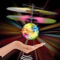 luzes de helicópteros de controle remoto venda por atacado-Magia Elétrica Sensor Infravermelho Flying Ball Helicóptero LED Brinquedo Luz Caçoa o Presente de Controle Remoto Inteligente