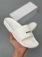 weiße mädchen flip flops großhandel-19SS New Ace Sneakers Flip-Flops Herren Designer Hausschuhe Für Frauen Luxus Sandalen Mädchen Mode Kratzer Schwarz Weiß Slides Müßiggänger Größe 45