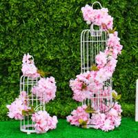 flores artificiales de cerezo vid al por mayor-Flores de cerezo artificiales Seda Sakura Flor de cerezo Vid Arco de la boda Decoración Fiesta en casa Ratán Colgante de pared Flores de cerezo