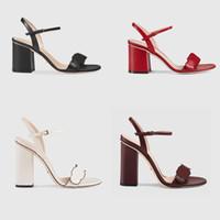 seksi bayan elbise ayakkabıları toptan satış-Kadınlar Tasarımcı sandalet Lüks yüksek Topuklu Deri Elbise Düğün Ayakkabı Seksi ayakkabı Çift Harfler topuk Sandalet Bayan ayakkabı orta topuk sandalet