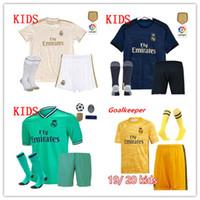 çocuk futbol formaları toptan satış-2019/20 Real Madrid futbol forması TEHLİKE ÇOCUK kitleri çorap ile 19/20 Futbol forması Asensio MODRIK RAMOS MARCELO BALE ISCO çocuk Futbol Takımları