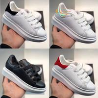 veludo branco venda por atacado-Plataforma Crianças Clássico Sapatos Casuais Preto Branco Sapatos de Skate Velvet Heelback Vestido OVERSIZED EXTENSO ÚNICO Tênis Sneakers Blanche et Noir