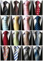 черный галстук желтые полосы оптовых-LUC01-20 Модная обувь Классические мужские нашивки Silk Tie Черный Красный Белый Оранжевый Синий Синий Фиолетовый Бежевый Зеленый желтый галстук в