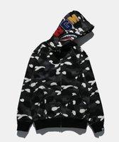 tarjetas de mono al por mayor-19 tarjeta de marca vendedora caliente mono tiburón impresión camuflaje luminoso suéter hombres y mujeres chaqueta ocasional pareja