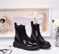 botines cómodos mujeres al por mayor-Cargadores del tobillo de 2019 botas de invierno color Negro Mujeres diseñadores cargadores de las señoras zapatos de plataforma beautifal cómodo