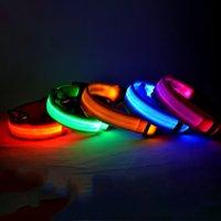 coleiras fluorescente de nylon venda por atacado-Coleira de cachorro de nylon do diodo emissor de luz do Nylon, segurança da noite Brilho de piscamento na trela escura do cão, cães Colares fluorescentes luminosos Pet Supplies