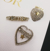 Wholesale female brooches for sale - Group buy Hot high end diamond letter brooch simple temperament star big name sweater big clothes pin wild brooch female