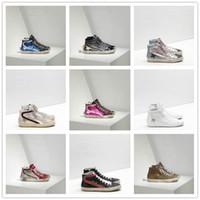 zapatos de vestir de caoba al por mayor-2019 Italia cadenas Golden viejo estilo diseñadores de moda zapatillas de cuero auténtico para mujer para hombre de los zapatos ocasionales Gooses Trainer SUPERSTAR DIAPOSITIVA G-024
