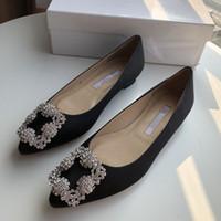 chaussures de marque femmes chaussures de luxe achat en gros de-2019 Mode Designer De Luxe Rouge Bas Bottoms Talons Hauts Talon Noir Argent Pompes De Mariage Robe Marque Femmes Chaussures Chaussures yc19031104
