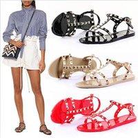 jalea dedo del pie abierto al por mayor-2019 nuevos zapatos femeninos europeos y americanos de cadena de plástico con cadena salvaje sandalias de punta abierta de color jalea de color caramelo