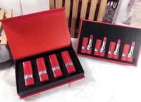 tubo en caja al por mayor-Lápiz labial mate de maquillaje 2019 Set 4 colores Tubo rojo Maquillaje Lápices labiales con caja de regalo para mujeres Cosméticos de belleza