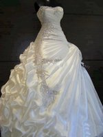 Wholesale beautiful strapless white wedding dresses resale online - luxurious A line Ruffles Sweetheart Strapless Crystal Wedding Dresses Beautiful stunning Bridal Dresses
