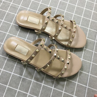Wholesale sale beach sandals for sale - Group buy Designer Luxury Women Slippers New Arrival Hot Sale Rivets Style Fashion Style Classic Quality Sandal Size