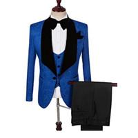 imágenes de pantalón al por mayor-Imagen real Boda de esmoquin de esmoquin con solapa Azul Encaje Novio Trajes de hombres Cena de graduación de bodas Mejor hombre Blazer (chaqueta + arco + pantalones) Hecho a medida B439