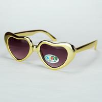 65ef95ef0 Crianças Óculos De Sol 2019 Novo Coração Profiling Brilhante Espelho  Eletrodeposição Quadro Bebê Amor Eyewear Tamanho Pequeno UV400 8 Cores