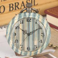 relógio de bolso chave de bronze venda por atacado-Listras verdes de madeira relógio de quartzo relógio de bolso algarismos arábicos exibição pingente de relógio retro bronze pendurado presentes cadeia de bolso