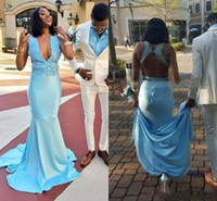 céu azul profundo doce vestido 16 venda por atacado-Luz Sky Blue Sereia Vestidos de Baile 2019 V Profundo Pescoço Sem Costas Trem de Varredura Apliques Doce 16 Vestidos Longos Vestidos de Festa À Noite Formal