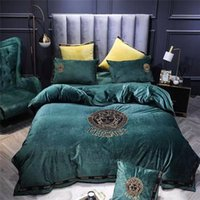 Wholesale design bedding for sale - Group buy High end Dark Green Delicate Embroidery Classic Character Design Printing Bedding Sets Duvet Cover Set Quilt Cover Bedding Cover