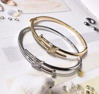 conjuntos de ouro puro de 18k venda por atacado-Pulseiras de designer sentimentos amorosos cruz conjunto diamante pulseira de unhas ouro puro revestimento de cobre 18 K ouro, ouro e prata 2 cores