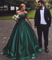 ingrosso vestiti da sera verdi sexy della sfera-2019 New Dark Green Off the Shoulder Abiti da sera in pizzo Appliqued Perline Abiti formali Abiti di ballo Ball Party Wear BC0644