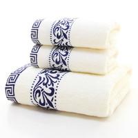 sábanas de microfibra al por mayor-3 Unidades / juego Toalla de baño de microfibra Toalla de cara Juego Hoja de baño blanco Patrón floral Algodón Suave Lujo Decorativo Toallas de baño