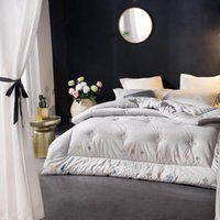 edredones negros blancos rojos al por mayor-Algodón edredones de invierno tamaño completo ropa de cama para adultos tamaño king edredón acolchado una pieza envío gratis
