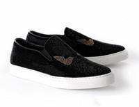 zapatos de vestir de italia para hombres al por mayor-2019 Nuevo estilo de Italia Moda hombre mocasines Negro blanco Diamante Rhinestones Spikes zapatos de los hombres Remaches Pisos casuales Hombres zapatos de vestir 38-46