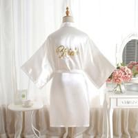 fiesta de bodas de satén túnicas al por mayor-Lo nuevo Vestidos de Novia para Boda Mujeres Seda de Satén Dormir Vestido de Fiesta Único Traje de Novia Dama de honor Traje de Novia con Letras Impresas de Oro