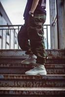 männer stiefel großhandel-Wüstenstiefel Designer Kanye Martin Stiefel Mode Luxus 2019 Marke Schuhe Star Männer Booties Sneakers für Herren Outdoor-Trainer