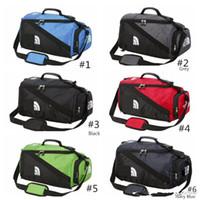 ingrosso colori della tavoletta-The North F Backpack Zaini casual Borse multifunzionali da viaggio Outdoor Sport Borse per adolescenti Studenti Duffell Bag 7 colori