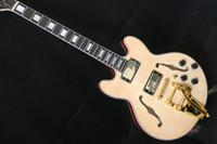 guitarra llama arce hueco al por mayor-La mejor guitarra eléctrica, 335 Jazz Guitar, Guitarra de cuerpo semi hueco con trémolo, Spalted + Flame Maple Top, herrajes dorados