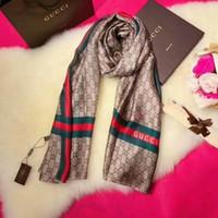 bufandas de seda de marca al por mayor-Venta caliente Marca bufanda Bufandas de seda de alta calidad Diseñador bufanda Moda bufandas del mantón para las mujeres Tamaño 180x90cm RT77A