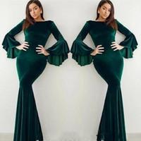 vestido verde largo celebridad al por mayor-Populares de terciopelo verde oscuro vestidos de noche de la llamarada de manga larga de la sirena árabe celebridad del vestido de 2020 vestido de fiesta