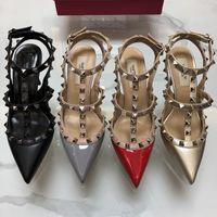 chaussures de marque griffée achat en gros de-Casual Designer Sexy lady fashion Marque Femmes Fashion pointes cloutées point toe lanières talons hauts mariée mariage chaussures ty chaussures