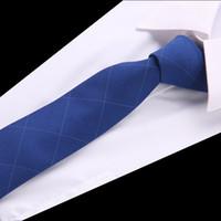 corbata de algodón gris al por mayor-20 colores de lujo lazos de lana para hombres 6 cm de ancho 2018 nueva moda corbata delgada a cuadros sólido rojo negro gris algodón diseñador corbata