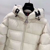 homens parkas ganso venda por atacado-Jacket Mens inverno Brasão Monclers alta qualidade Goose Down Inverno Outdoor Tendência Motorcycle Homens Mulheres Parka Canadá marca de moda jaquetas