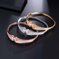 bracelets femmes de qualité achat en gros de-HONGHONG Haute Qualité Zircone bracelets Pour les femmes Bow femmes bracelets De Mariage Noble élégant style Bracelets bijoux