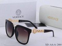 ingrosso catena di occhiali da sole-2019 New Top fashion UV 400 Protezione Italia Brand Designer Catena d'oro Tyga Medusa Desiderio Occhiali da sole Uomini / Donne Casuali Occhiali da sole Box @ 5252