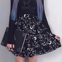 mini-saia preta venda por atacado-Instahot Star Impresso Plissado Gótico Mulheres Cintura Alta Do Punk Preto Mini Saias Constelação Rock Lua Sexy Clube Outfits Q190508