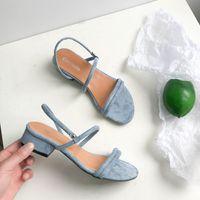 zapatos nuevos estilos europeos al por mayor-nuevo estilo europeo de lujo de diseño clásico de los zapatos de tacón alto de las sandalias de la señora de París supermodelo pasarela suela de goma hebilla
