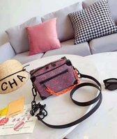 кошельки v оптовых-Европа и Америка L бренда V женские сумки 190 Мода женщин сумка заклепки одного плеча мешок Высокое качество женская сумка сумки кошелек