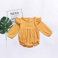 kahve giyim toptan satış-2019 Ins Bebek kız giysileri Tatlı kızlar Tulum Fener Tulum Çarpıntı kollu Uzun kollu Beyaz pembe Sarı Kahve Bahar Yaz