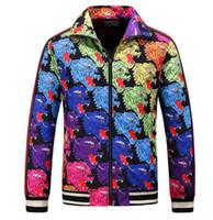 vêtements masculins conçoit des vestes achat en gros de-Broderie Mâle Zipper Capuchon Extérieur Bengal Jacquared Chapeau GUCCI Veste Manchettes Élastiques Design De Luxe Léger 3D Manteaux Vêtements