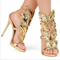 pembe sandalet kadınları toptan satış-Tasarım Kanatları Kadın Sandalet Gümüş Çıplak Pembe Altın Yaprak Strappy Yüksek Topuklu Gladyatör Sandalet Kadınlar Pompalar Ayak Bileği Kayışı Elbise Ayakkabı